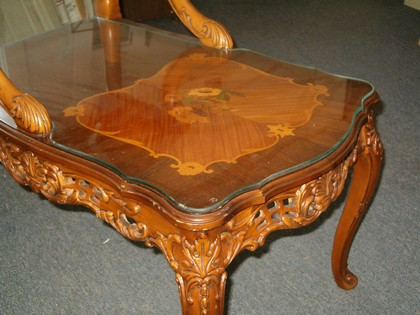 Superieur Custom Scalloped Glass Table Top